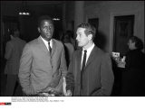 France, Paris : Paul Newman and Sydney Poitier