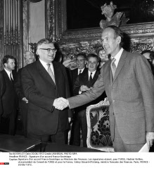 FRANCE : Signature d'un accord Franco-Sovietique