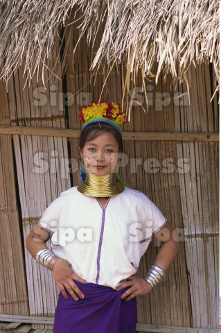 Thailand, Chiang Rai, Long Neck Hilltribes, Young Woman